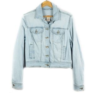 ✨3/$25✨Mossimo Classic Light Wash Denim Jacket - L